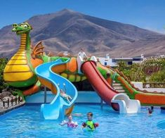 What child doesn't enjoy spending time in a hotel splash pool? With lots to keep the youngest travellers entertained, we've searched through the Canary Islands to bring you our top 30 hotel splash pools on the islands of Tenerife, Fuerteventura, Lanzarote and Gran Canaria. We have included just 4 and 5 star hotels, and they […] The post Our top 30 hotels with splash pools in the Canary Islands appeared first on A Luxury Travel Blog.