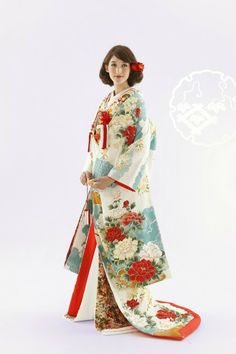 ilo-uchikake: robe style Japanese wedding kimono. This beautiful UCHUKAKE is usually brocaded or embroidered with the motif of congratulations such as cranes, pines, and a bounty of flowers. It is believed that UCHIKAKE started to be worn by the high-class samurai family women in the Muromachi era (1336–1573). During the Edo era (1603–1868), UCHIKAKE became a more common kimono for the high-class women