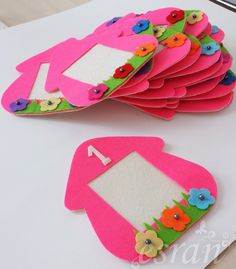 cıvıl cıvıl: Doğum günü çerçevesi Preschool Art Activities, Diy For Kids, Diy Projects For Kids, Crafts For Kids, Diy Toys, Felt Crafts, Diy Crafts, Baby Decor, Backdrops For Parties