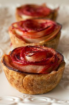 Mini Apple Rose Pies. So pretty!
