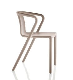 Magis - Air-Armchair: The Air Chair from Jasper Morrison for Magis is also available as armchair now in our Online Shop Contemporary Outdoor Dining Chairs, Contemporary Furniture, Outdoor Chairs, Adirondack Chairs, Outdoor Furniture, Dining Arm Chair, Dining Room Chairs, Office Chairs, Chair Design