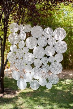 I have no idea how we could do this, but it looks pretty awesome. Douglas Flat Wedding from Kara Miller Photography