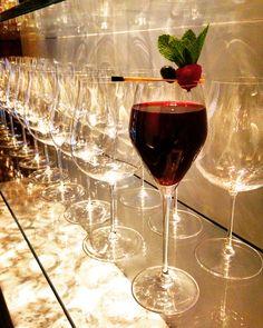 """[ Les Cocktails du Mardi Soir ] 🍷 """"Red Velvet""""  Eau de vie de rhubarbe, liqueur de framboise, sirop de cerise, myrtille, citron vert, menthe fraîche.  #edv #rhubarbe #liquor #framboise #raspberry #cerise #syrup #cherry #myrtille #blueberry #lime #lemon #fresh #mint #cocktail #cocktails #lescocktailsdumardisoir #hotel #bar #paris #champselysees #france #black #red #velvet #dress #glasses #restaurant #cocktailsbyevy #instagood #chill"""
