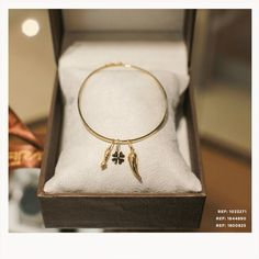 45 melhores imagens de Safira Memory   Sapphire, Pendants e Body ... 989d77a9ed