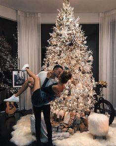 Christmas Is Over, Christmas Couple, Couple Christmas Pictures, Christmas Feeling, Merry Christmas, Christmas Tumblr, Christmas Outfits, Christmas Trees, Christmas Lights