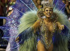 Riehakkaat karnevaalit täyttivät kadut Riossa ja New Orleansissa – Katso upeat kuvat