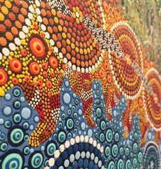 View the largest range of contemporary Aboriginal art and artefacts in Sydney. Aboriginal Dot Art, Aboriginal Painting, Aboriginal Artists, Dot Painting, Stippling Art, Mandala Doodle, Funny Paintings, Painted Rocks Kids, Mosaic Art