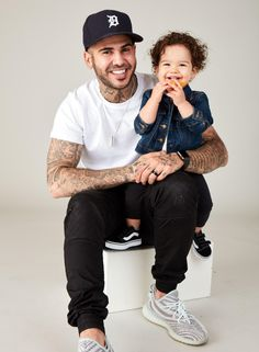 Just love this shot of Carolyn's Kids model and talent Olivia with her daddy Danny Fernandes from a recent photoshoot for a clothing campaign! Talent Agency, Child Models, Model Agency, Just Love, Toronto, Daddy, Campaign, Hipster, Photoshoot