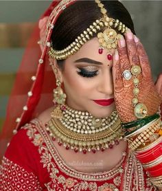 Check the list of top 10 beauty parlours in Jaipur and select one best beauty parlour in Jaipur for bridal makeup. like- Lakme Salon, Looks Salon, Toni and Guy, Bridal Makeup Videos, Bridal Makeup Images, Bridal Makeup Looks, Bridal Hair And Makeup, Bride Makeup, Wedding Makeup Artist, Wedding Beauty, Makeup Salon, Beauty Makeup