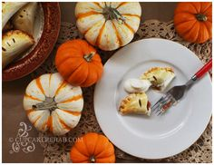 Cupcake Rehab - cupcakerehab.com: Beating batter & people with whisks since 2007! Maple Pumpkin Pasties! Perfect for Thanksgiving~~