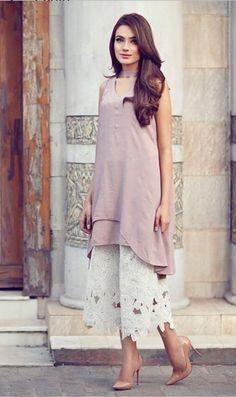 How to wear casual outfits chic heels 44 Ideas Pakistani Fashion Casual, Pakistani Dress Design, Pakistani Outfits, Indian Outfits, Indian Fashion, Eid Outfits, Dress Outfits, Casual Outfits, Fashion Dresses