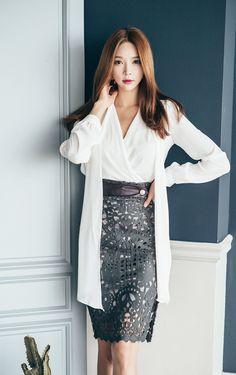 Korean Fashion Trends, Asian Fashion, Executive Fashion, Good Looking Women, Professional Outfits, Beautiful Asian Women, Korean Outfits, Japanese Fashion, Asian Woman