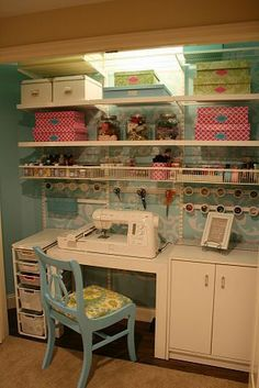 craft room in closet...if my next house has bigger closets.