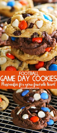 Celebrate your team & cheer them on with these Football Game Day Cookies that can be made in both vanilla or chocolate. Customize with your team colors! via @KleinworthCo