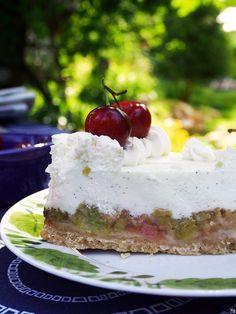 RAPARPERI-JUUSTOKAKKU - Kaakao kermavaahdolla Baking Recipes, Dessert Recipes, Desserts, Cake & Co, Piece Of Cakes, Let Them Eat Cake, Sweet Recipes, Cheesecake, Food And Drink