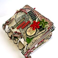 Mini album for recording Christmas/December daily Christmas Mini Albums, Christmas Journal, Christmas Scrapbook, Christmas Minis, Christmas Paper, Christmas Stuff, Christmas Collage, Mini Scrapbook Albums, Scrapbook Paper Crafts