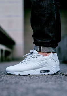 Nike Air Max 90 Ultra Moire 'Pure Platinum' (via Kicks-daily.com)