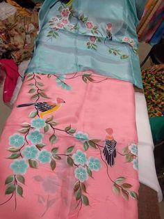 Fabric Colour Painting, Fabric Painting On Clothes, Painted Clothes, Hand Painted Sarees, Hand Painted Fabric, Latest Suit Design, Saree Painting, Embroidery Suits Punjabi, Kurti Sleeves Design
