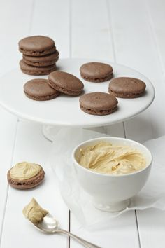 chocolate salted peanut butter macarOns