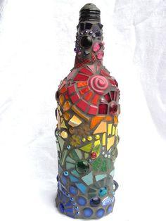 Bottiglia mosaico arcobaleno di waschbear su Etsy, $274.00