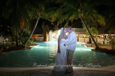 Islamorada weddings at Coconut Cove Resort.  www.coconutcove.net  Photography by Magda Bates