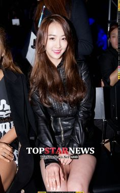 "다솜多絮DaSom&보라寶拉BoRa◕‿◕✿出席2015 S/S Seoul Fashion Week""Kwak Hyun Joo""時裝秀"