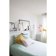Mag het hoofdeinde van je bed weleens wat anders zijn? Met een simpele houten plaat, een likje verf of wat washitape hou jij het chic