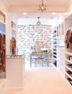 Homeowner: AnonymousDesigner: Janie Lowrie of Closet Theory