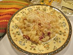 Avery Aames' macaroni and cheese with BACON! @Mystery Lovers' Kitchen