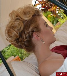 Find us on: www.facebook.com/GreatLengthsPoland & www.greatlengths.pl hair hairstyle long wedding braid up do with braid #wedding #bridal