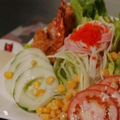 The heat can leave you longing for some cold food.Refresh yourself with a salad today! KIMONO KEN SALAD ~ Ebi fry, Sakana fry, tomato,corn, cucumber with mixed lettuce   #kimonoken