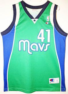 acb60e92323c Champion NBA Basketball Dallas Mavericks  41 Dirk Nowitzki Trikot Jersey  Size 44 - Größe