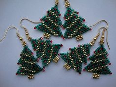 Christmas Tree Earrings (Beads from the Coast) Tags: handmade earrings brickstitch christmastreeearrings beadbuddies Beaded Earrings Patterns, Seed Bead Patterns, Jewelry Patterns, Beading Patterns, Jewelry Ideas, Jewelry Trends, Seed Bead Jewelry, Bead Jewellery, Beaded Jewelry