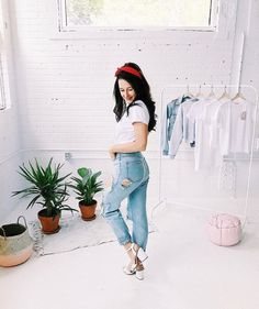 Je n'aime pas le jeans Emma Verde, Youtubers, Girl Fashion, Ss, Outfits, Jeans, Collection, Outfit, Fine Girls