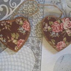 2 coeurs bois appliqué patchwork roses anciennes