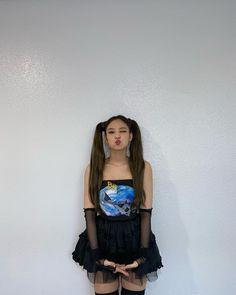 Kim Jennie, 2ne1, Yg Entertainment, South Korean Girls, Korean Girl Groups, Queens, Blackpink Members, Black Pink Kpop, Blackpink Photos