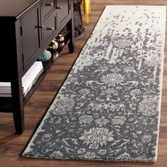 LITTLE BIG LIFE: Vintage style rug for a small bedroom! And more to find here!