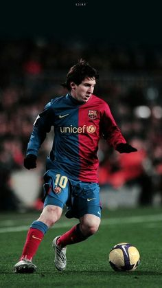 Top 10 Best performances of Lionel Messi. Lionel Messi, 6 times Ballon D'or winner , is undoubtedly the best Footballer on Earth. Fc Barcelona, Lionel Messi Barcelona, Barcelona Football, Messi Neymar, Messi Soccer, Cristiano Ronaldo Manchester, Lionel Messi Wallpapers, Ballon D'or, Leotards