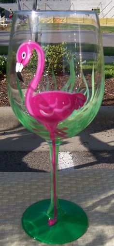 Flamingo wine glass - clever & cute! Would be pretty with some merlot in the glass!