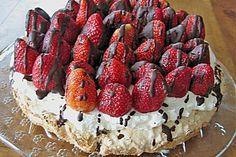 Erdbeer - Baiser - Torte (Rezept mit Bild) von bine4711   Chefkoch.de