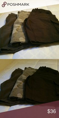 3 pair of men's shorts size 32 Men's Size 32 shorts black, gray and camouflage Shorts Cargo
