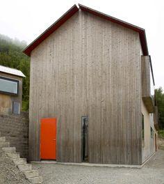 #house #rural #orange #door #wood #design #architecture