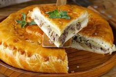 Want to try a traditional Scottish meat pie? They're surprisingly easy to make and quite delicious - even if it's just a way to show some appreciation for your family history - or Saint Andrew's Day. Scottish Meat Pie Recipe, Scottish Recipes, Healthy Bread Recipes, Pie Recipes, Dessert Recipes, Easy Recipes, Scottish Dishes, Mincemeat Pie, Super Cookies