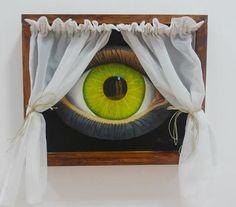 """""""Dos miradas"""" óleo sobre lienzo e instalación de madera y textil. Reyes Muñoz"""