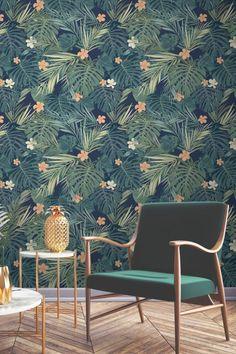 déco verte, revêtement papier foncé, papier peint jungle, petite table basse en marbre