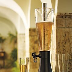 Our Super Chill Swivel Spout Beverage Dispenser keeps an entire table full of thirsty guests refreshed. It chills and serves 96 oz. of beer, soda, or sangria without dilution thanks to a gel-filled stainless steel rod that freezes like ice and keeps drinks cold 40% longer.