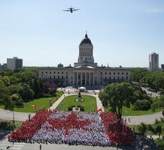 Human Canada Flag - over 3000 people in Winnipeg, Manitoba Canada. I am in there somewhere on the left side in white! Canada Post, O Canada, Beautiful Vacation Spots, Beautiful Places, I Am Canadian, Happy Canada Day, Western Canada, So Little Time, British Columbia