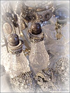 # SILVER AND CRYSTAL GLASS VANITY SET
