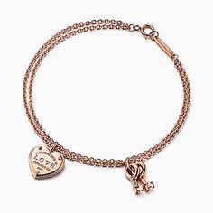 Tiffany OFF! Return to Tiffany® Love heart tag key bracelet in rose gold medium. Tiffany Bracelets, Tiffany Jewelry, Diamond Bracelets, Ankle Bracelets, Silver Bracelets, Bangles, Gems Jewelry, Jewelry Box, Jewelry Accessories
