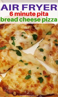 Air Fryer 6 Minute Pita Bread Cheese Pizza Air Fryer 6 Minute Pita Bread Cheese Pizza with Pepperoni, Onions, Garlic, Sausage is perfect when you want to make a quick lunch or snack. Air Fryer Oven Recipes, Air Frier Recipes, Air Fryer Dinner Recipes, Air Fryer Cooking Times, Cooks Air Fryer, Pita Bread Pizza, Pita Pizzas, Flatbread Pizza, Air Fryer Review